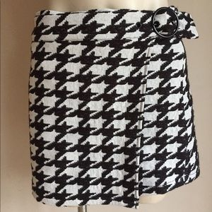 Houndstooth Skirt Mini NWT